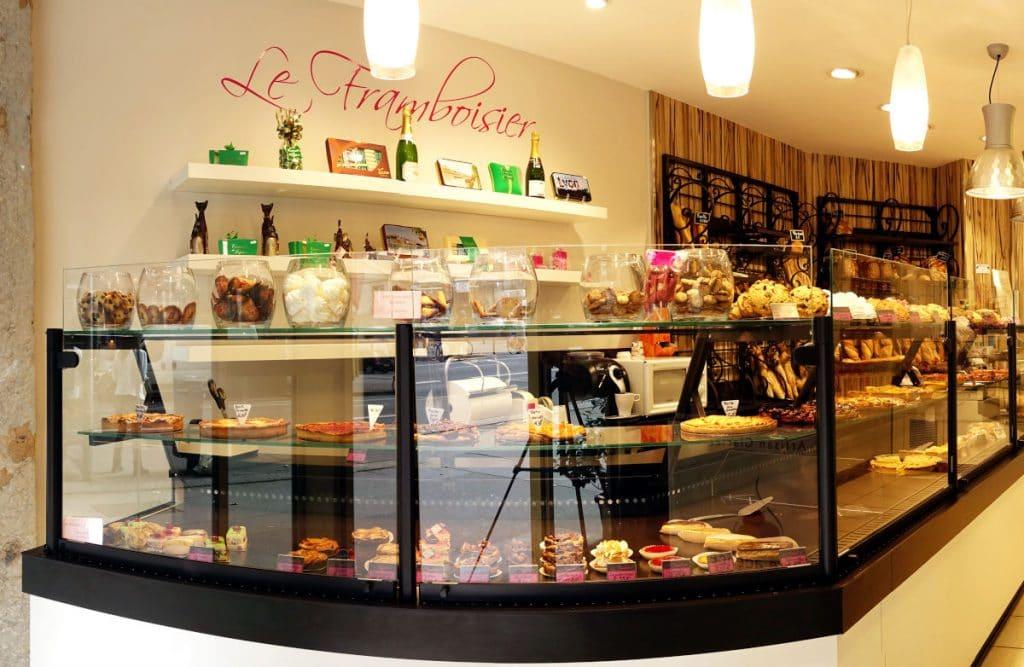 Intérieur de la boulangerie-pâtisserie
